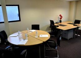Centre d'affaires Bordeaux Aéroport : Bureau 2 postes + table ronde