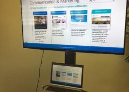 Salle de réunion avec écran plat led HD