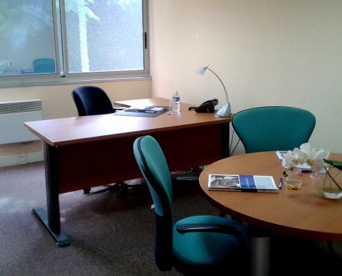 Centre d'affaires Bordeaux Mérignac : bureau + table ronde