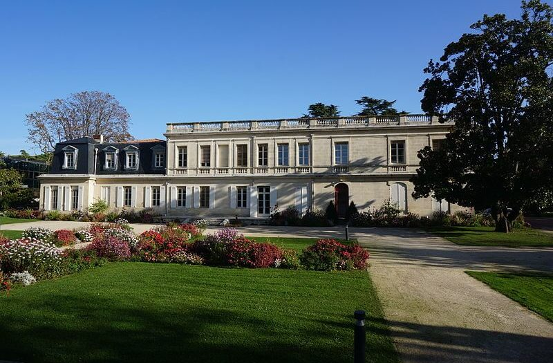 Hôtel_de_ville_de_Mérignac_(Gironde) (1)